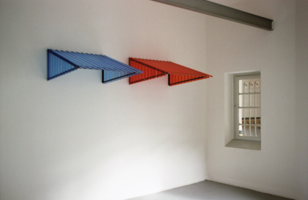 """freie Plastik, """"Shelters"""", Krings-Ernst Galerie"""